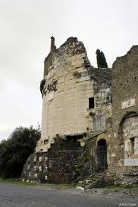 Rome-Via-Appia-Antica_-Tombe-van-Cecilia-Metella